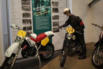 tuc adventskalender 2011 5 das motorradmuseum im. Black Bedroom Furniture Sets. Home Design Ideas