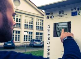 Das bisherige ECoMobility-Angebot wird um die Implementierung eines energieeffizienten Routings und einer Ladesteuerung zur Steigerung des Anteils regenerativ erzeugter Energie bei der Fahrzeugladung ergänzt.