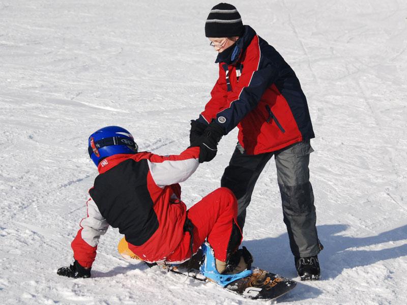 ski und snowboard kurse auch f r uni kids und deren eltern uni aktuell tu chemnitz. Black Bedroom Furniture Sets. Home Design Ideas